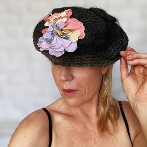 1930s Black Straw Hat with Bouquet of Flowers